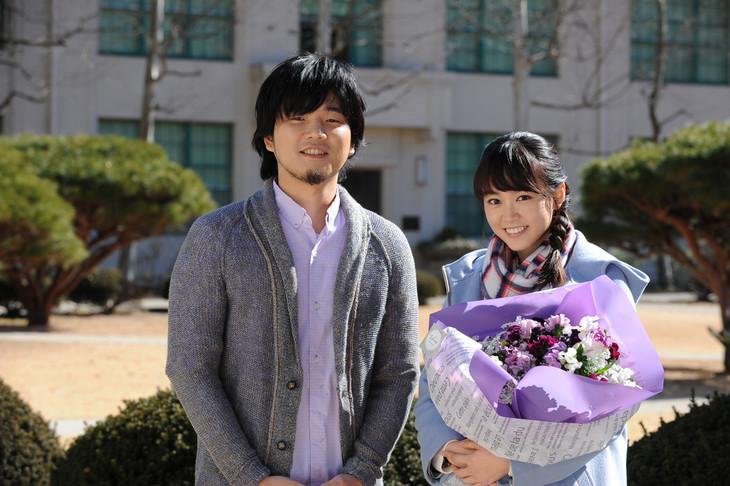 左から秦基博、桐谷美玲。(写真提供:テレビ朝日)