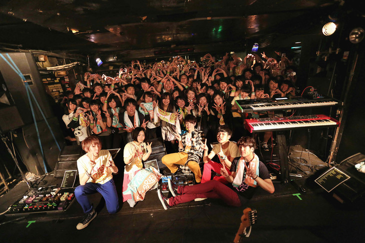 「TWELVE TOUR ~春宵一刻とモノテトラ~」千葉・千葉LOOK公演の様子。(撮影:後藤壮太郎)