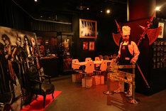 「聖飢魔II HARAJUKU KOWAii CAFE」店内の様子。(写真提供:アリオラジャパン)