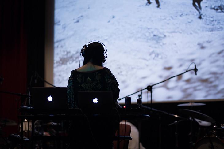 2014年6月12、13日に吉祥寺バウスシアターで行われた相対性理論の楽曲制作風景。