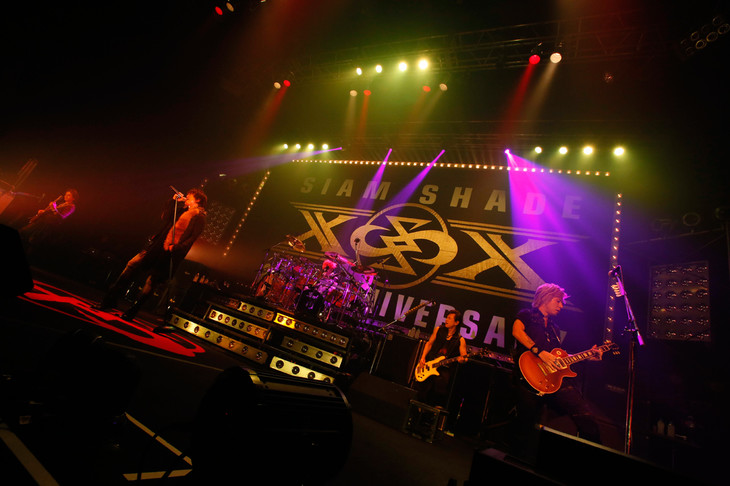 3月6日に東京・Zepp Tokyoで行われたSIAM SHADE「The Ultimate Fight Series」追加公演の様子。(Photo by RYOJI FUKUOKA)
