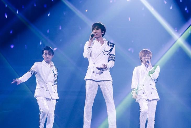 3月14日に東京・両国国技館で行われた「w-inds.15th Anniversary Live」の様子。(提供:ポニーキャニオン)