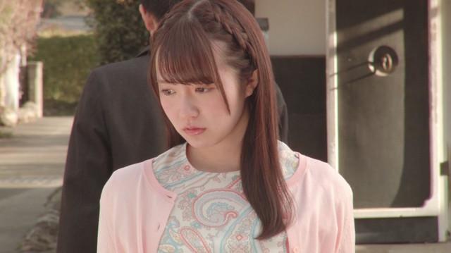 乃木坂46「不等号」のミュージックビデオのワンシーン。