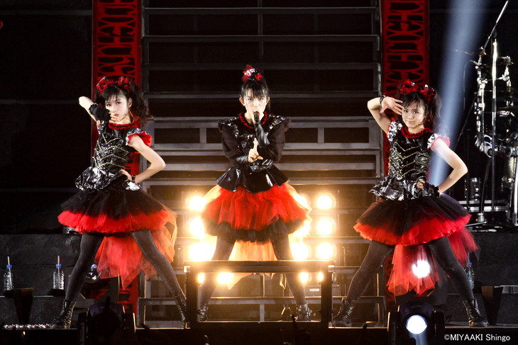 「BABYMETAL WORLD TOUR 2015 in JAPAN -THE FINAL CHAPTER OF TRILOGY-」の様子。