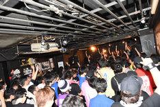 「PiiiiiiiN 3カ月連続出張定期公演 ~Road to Zepp DiverCity~」名古屋公演の様子。