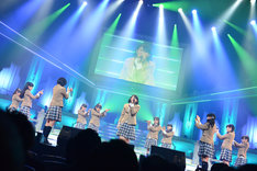 「The Road to Graduation 2015 Final ~さくら学院 2015年度 卒業~」の様子。