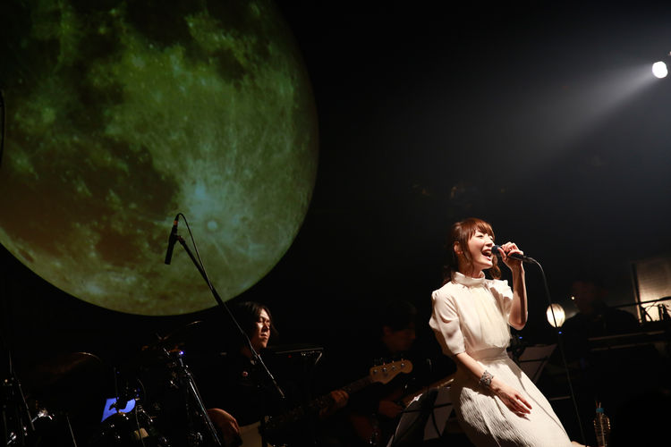 花澤香菜×空気公団、月見ル君想フで一夜限りのジョイント公演 - 音楽ナタリー