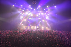 「IDOL SWiNDLE TOUR FINAL」の様子。