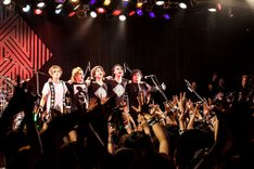 「MAVERICK DC presents DOUBLE HEADLINE TOUR 2016『M.A.D』」4月1日の東京・LIQUIDROOM公演の様子。