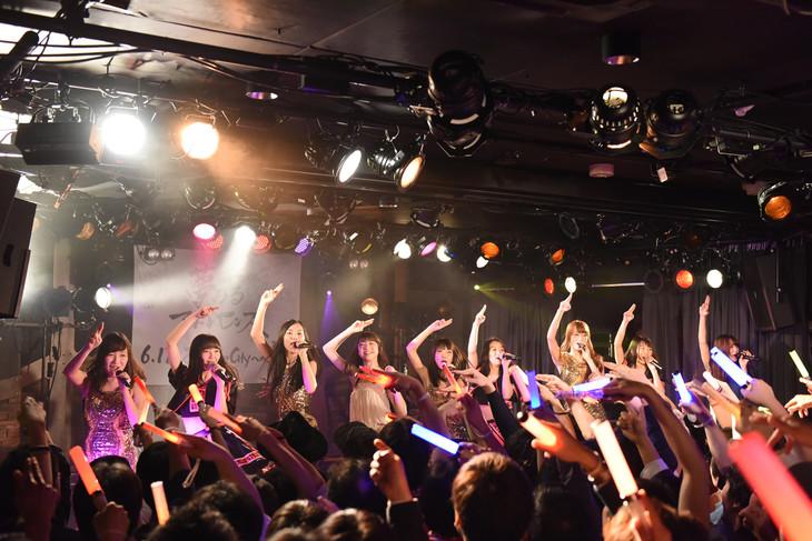 夢みるアドレセンス、東京女子流による「舞いジェネ!」コラボの様子。