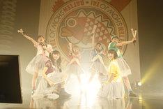 ばってん少女隊「メジャーデビュー直前ばってん、Zepp Fukuokaがなくなる前にライブできちゃいました大会!」の様子。(撮影:濱本英介)