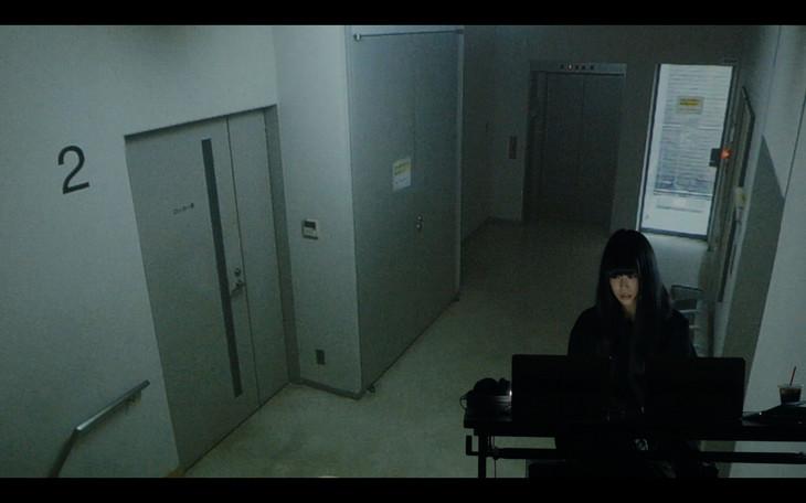相対性理論「FLASHBACK」ミュージックビデオのワンシーン。