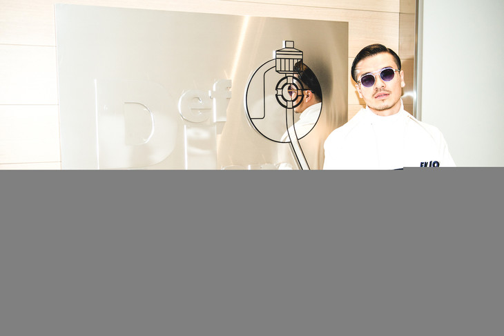 Def Jam Recordingのオフィスを訪問するAK-69。
