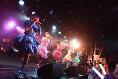 「神が宿る場所~原宿発!神宿です~」ツアーファイナル公演の様子。