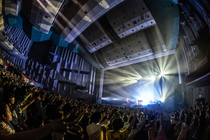WEAVERのライブの様子。(撮影:高田梓)
