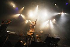 Jのライブの様子。(Photo by Hiroe Yamauchi)