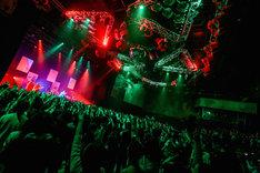 昨日6月4日に行われた東京・新木場STUDIO COAST公演の様子。(Photo by Viola Kam[V'z Twinkle])