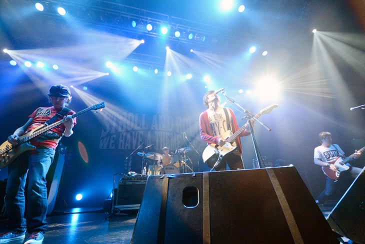 the pillowsワンマンツアー「STROLL AND ROLL TOUR」東京・TSUTAYA O-EAST公演の様子。 (写真提供:バッド・ミュージック・グループ)