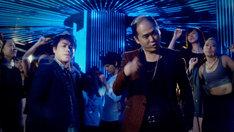 トレンディスタイル「YA・BA・I・DE・A・I」ミュージックビデオのワンシーン。