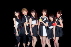 i☆Ris(芹澤優は右から3番目)