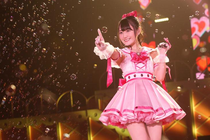 「小倉 唯 1st LIVE TOUR『High-Touch☆Summer』」千葉・幕張イベントホール公演の様子。(撮影:木村泰之)