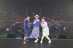 ライブ終了後の集合写真。(写真提供:フジテレビ)