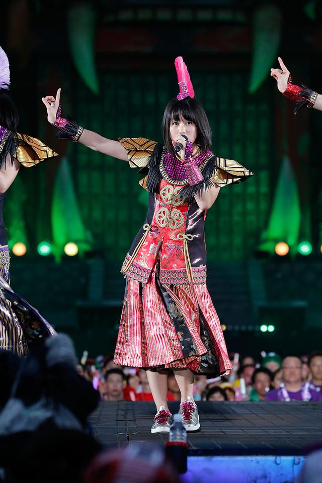 佐々木彩夏 (Photo by HAJIME KAMIIISAKA+Z)