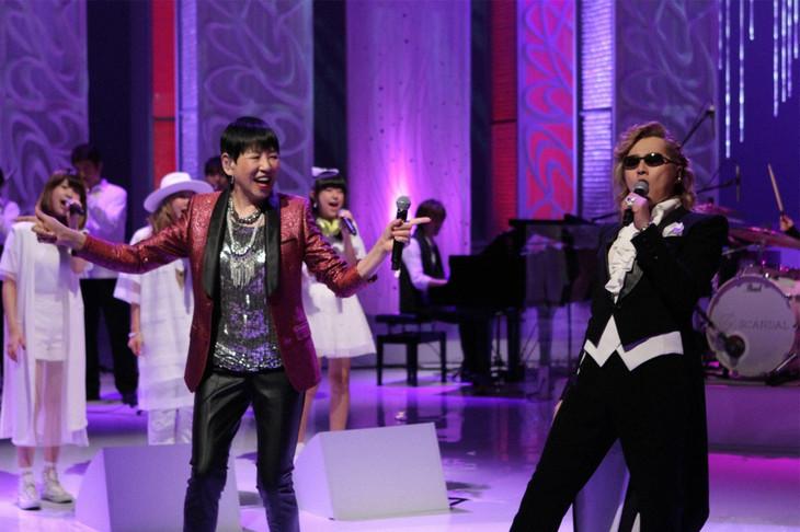 左からLittle Glee Monster、和田アキ子、石井竜也。 (c)フジテレビ