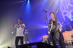 左からJose(TOTALFAT)、金井政人(BIGMAMA)。(撮影:高田梓)