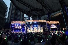 欅坂46のライブの様子。(写真提供:Sony Music Records)