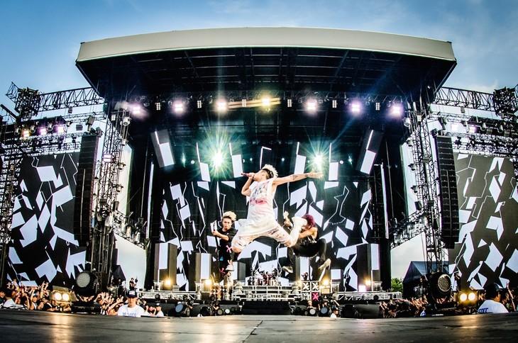 「ONE OK ROCK 2016 SPECIAL LIVE IN NAGISAEN」の模様。(Photo by JulenPhoto)
