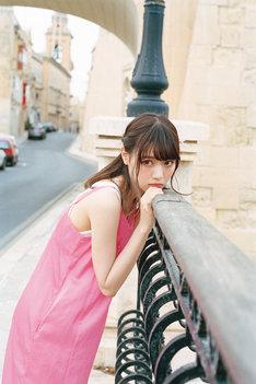 西野七瀬2nd写真集「風を着替えて」より。(c)川島小鳥 / 集英社