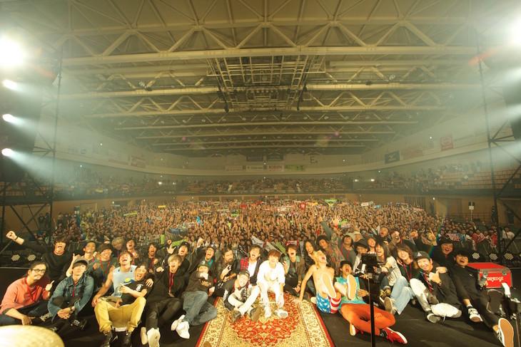 「八王子天狗祭2016」終演後の記念写真。(撮影:佐藤広理)