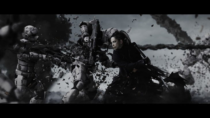 L'Arc-en-Ciel「Don't be Afraid」ミュージックビデオのワンシーン。