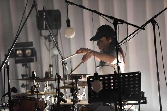Yuumi(Dr)(撮影:高田真希子)