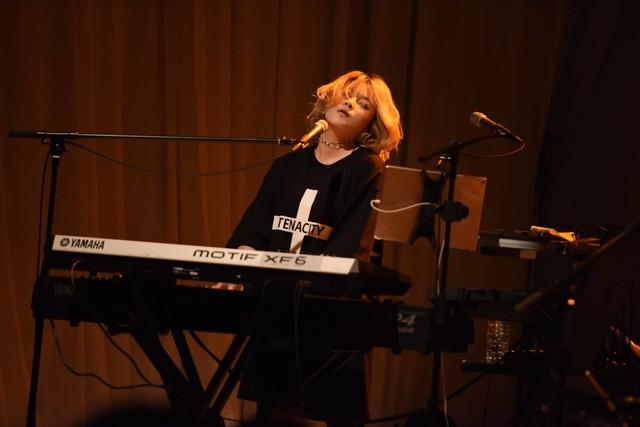 西村奈央(Key)(撮影:高田真希子)
