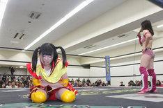 試合に敗れ泣き崩れる伊藤麻希。(写真提供:ジョブ・ネット)