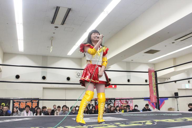 試合に敗れるも決意表明する伊藤麻希。(写真提供:ジョブ・ネット)