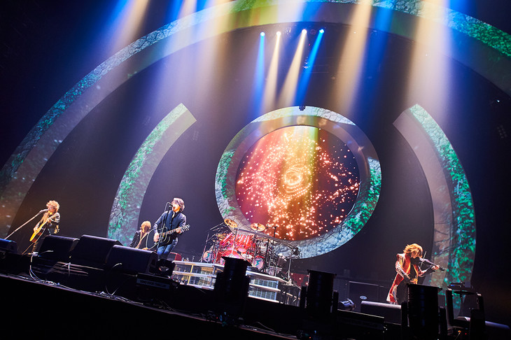 LUNA SEA「LUNA SEA The Holy Night -Beyond the Limit- at さいたまスーパーアリーナ 2days」12月23日公演の様子。