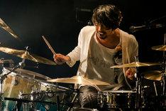 鈴木貴雄(Dr)(Photo by Viola Kam [V'z Twinkle])