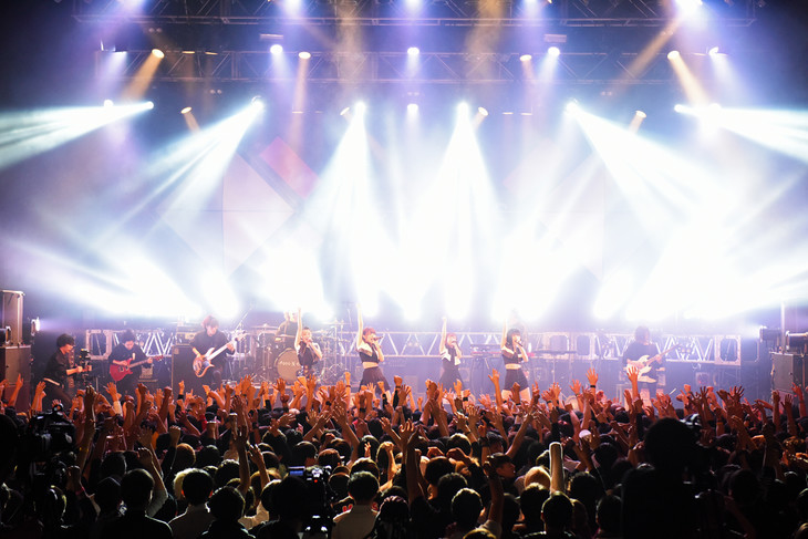 「PassCode MISS UNLIMITED Tour 2016」の様子。