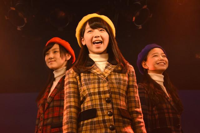 左から星里奈、井上姫月、吉田万葉。