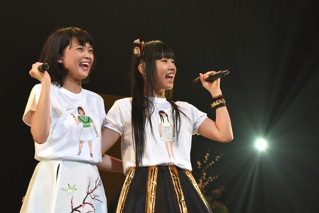 左からKaede、廣田あいか。