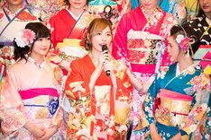 左から矢倉楓子(NMB48)、松井珠理奈(SKE48)、兒玉遥(HKT48 / AKB48)。