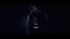 宇多田ヒカル「忘却 featuring KOHH」のワンシーン。