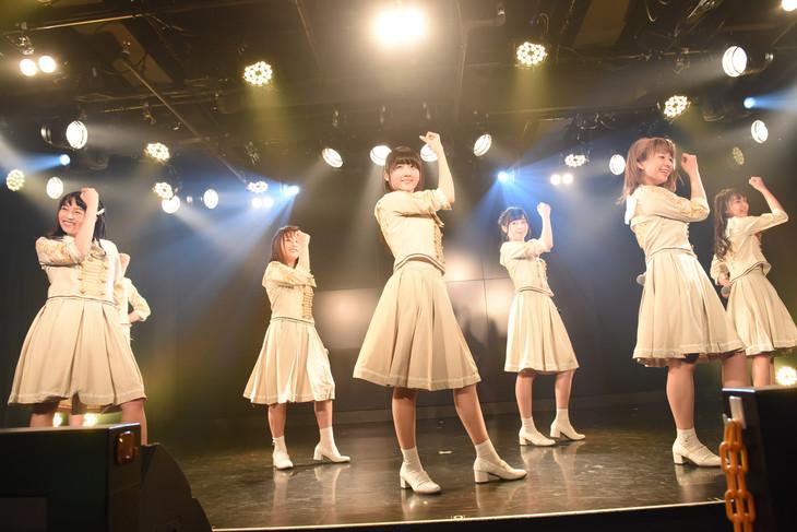 転校少女歌撃団の新メンバーお披露目ライブの様子。
