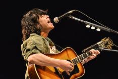 峯田和伸(銀杏BOYZ)(Photo by AZUSA TAKADA)