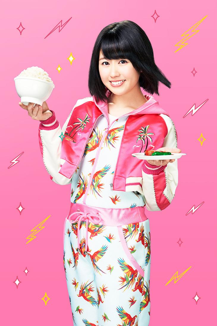 洋服が素敵な佐々木彩夏さん
