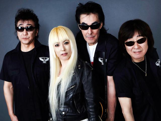 鮎川誠&シーナの愛娘・LUCY(左から2番目)をボーカルに迎えたバンド、シーナ&ロケッツ feat.LUCY MIRROR。