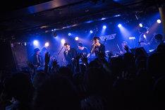 odolとPELICAN FANCLUBによるコラボパフォーマンスの様子。(Photo by Daisuke Miyashita)